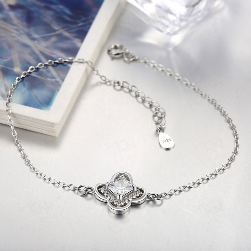 Silver Plated Jewelry Four Leaf Clover Charm Bracelets For Women