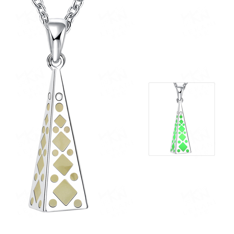 Simple Necklaces 3 Color Styles Silver Plated Light in Dark Pyramid Shaped Noctilucent Pendant Necklace YGN038