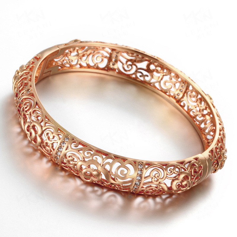 Europe Style Hollow Gold Plated Bracelet for Women
