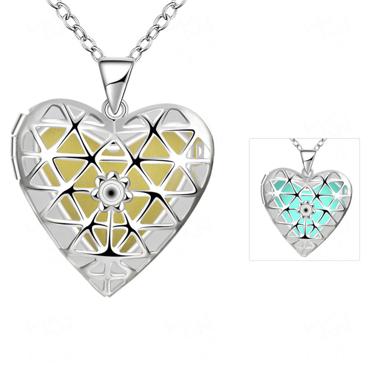 Kingdom Hearts Necklace 3 Color Styles Silver Plated Hollow Love Heart Noctilucent Pendant Necklaces Popular