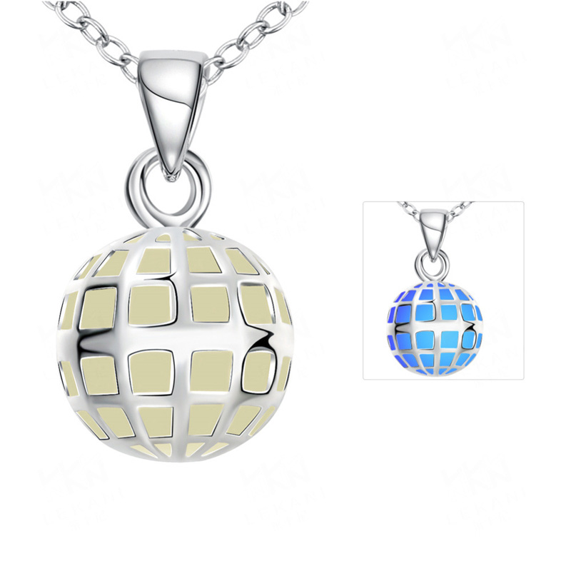 Cheap Necklaces 3 Color Styles Trendy Silver Plated Round Shape Light in Dark Hollow Luminous Pendant Necklace Jewelry for   Wo