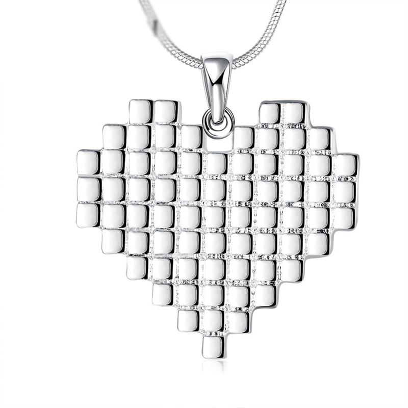 Wholesale Price Fashion Silver Plated Romantic Heart Necklaces For Women Plaid Pendant Necklaces Jewelry LKNSPCN772