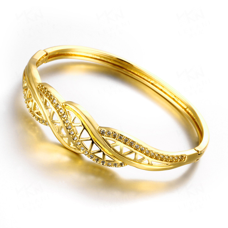 New Fashion Zirconia Bangles Gold Plated Hollow Out Flower Pattern Luxury Bangles Bracelets