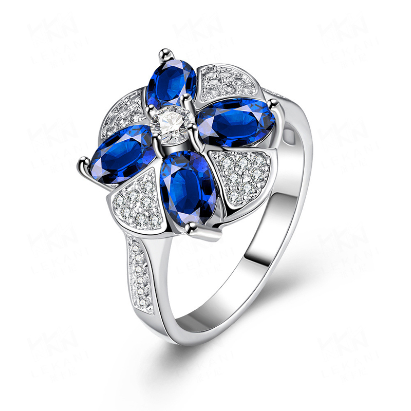 Fashion Jewelry Clover Shaped Rings with Paved Blue Crystal Cubic Zirconia for Women KZCR413