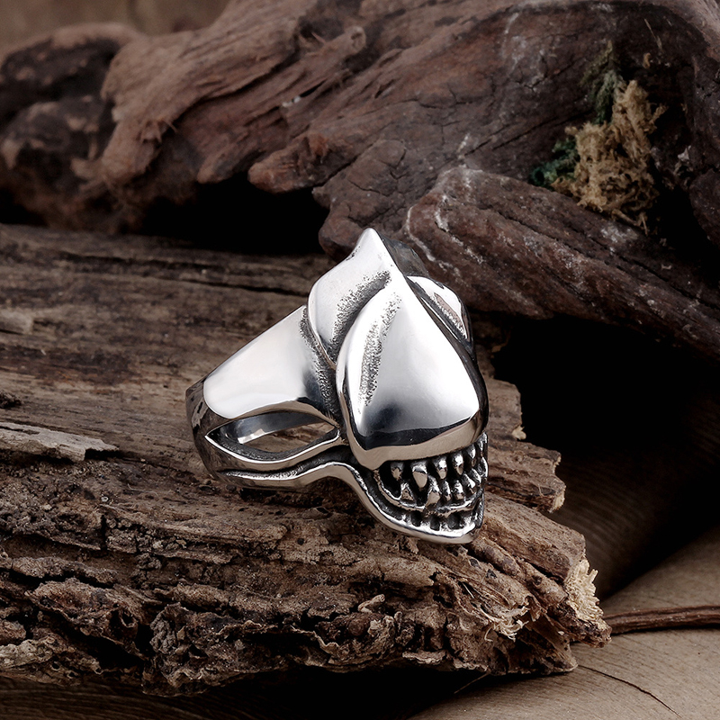 316L Men\'s Punk Stainless Steel Fashion Shark Pattern Cool Ring Hot Sale Party Ring R136