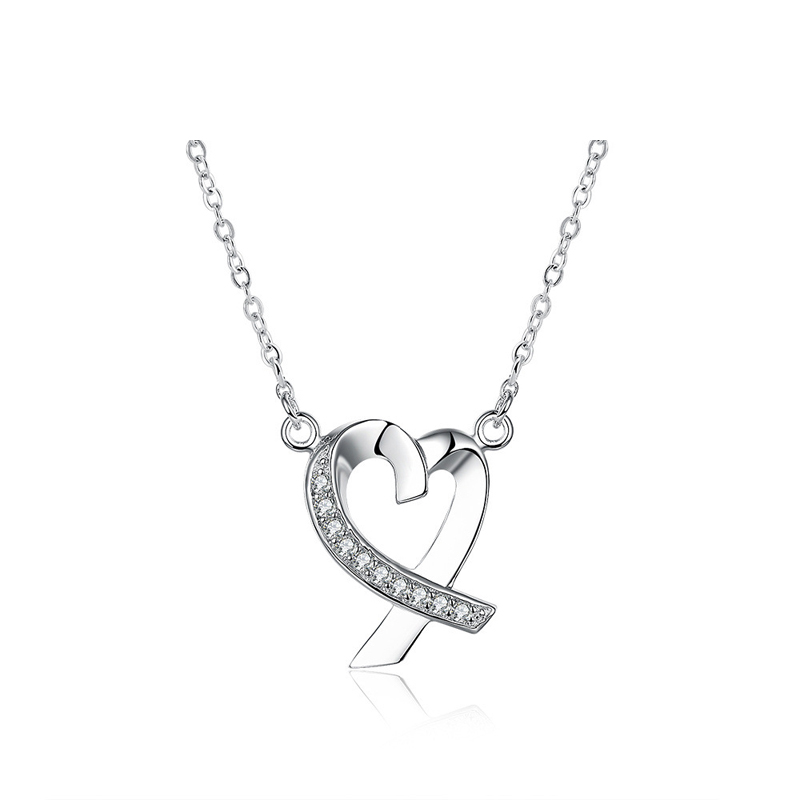 Love Heart Necklace Silver Plated Heart Shaped Inlaid Cubic Zirconia Pendant Fashion Romantic Jewelery for Women