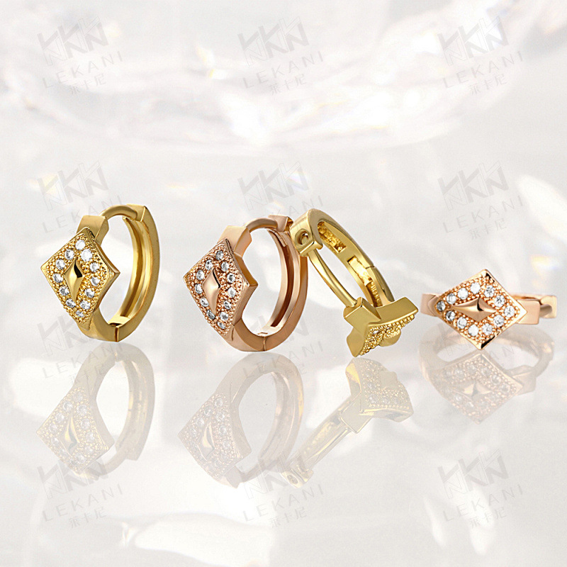 Elegant Jewelry Gold Plated Hoop Earrings Star Shaped Pave Setting Brilliant Cut CZ Diamond Earring For Ladies