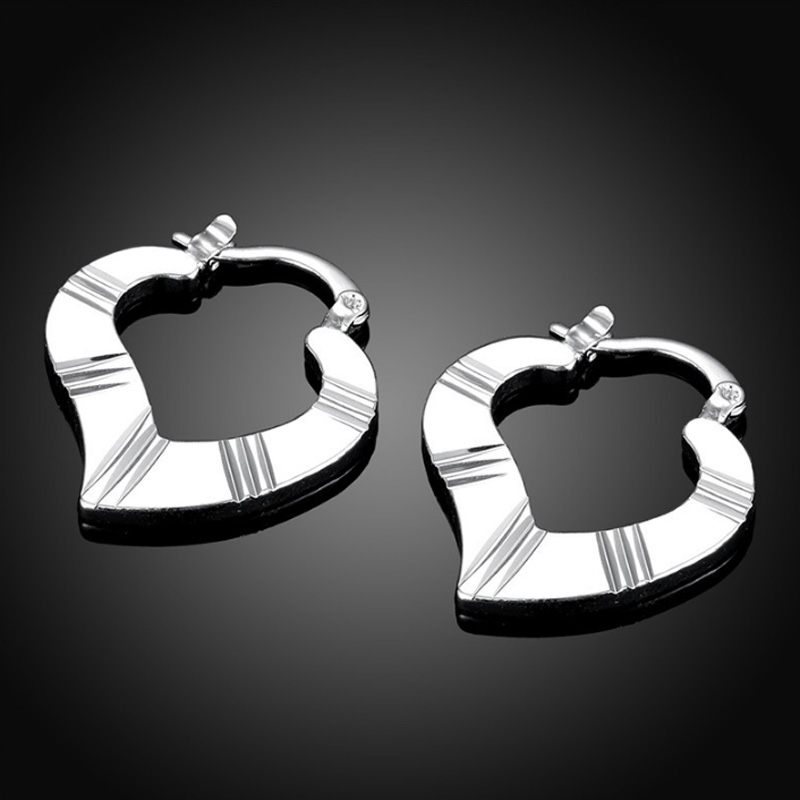 New Arrival Unique Heart Stud Earrings For Women LKNSPCE689
