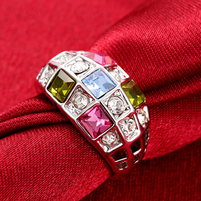 Gorgeous Colorful Diamond Rings for Women AKR054