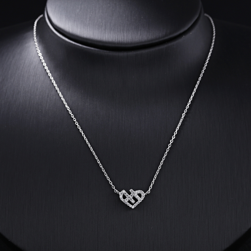 Personality Fashion Heart Design Pendant Necklace for Women SX001