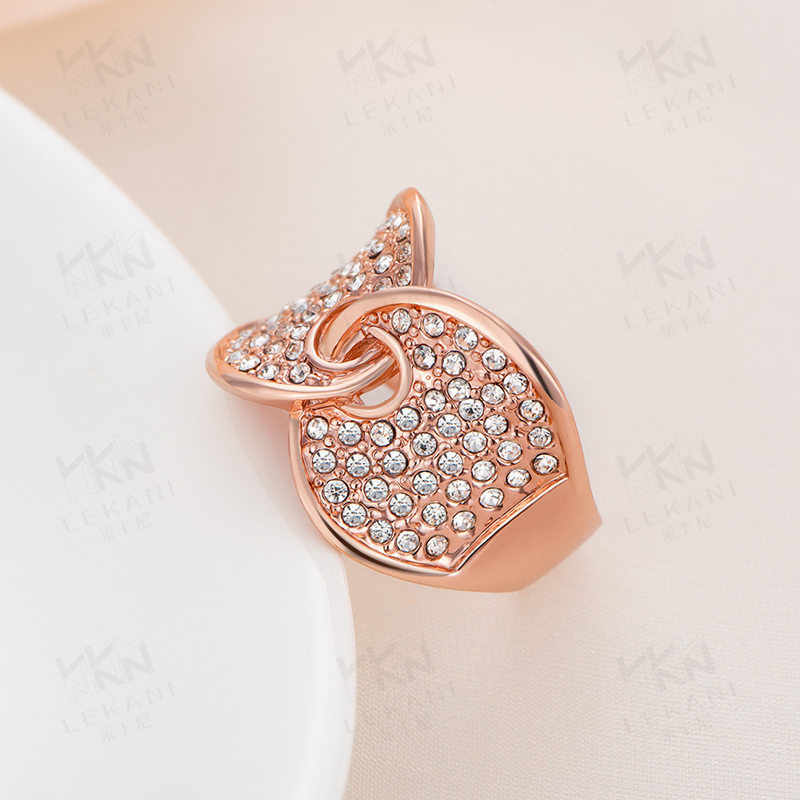 Rose Gold Plated Hand in Hand Shaped Ring Fashion Jewelry for Women