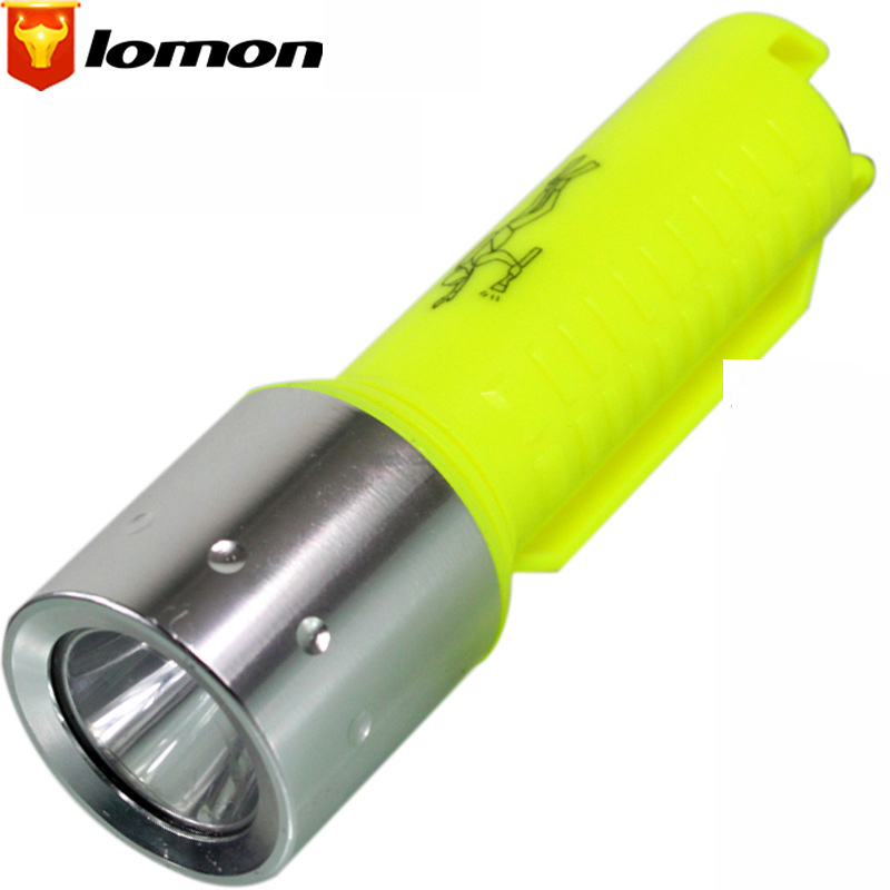 Lomon LED Mini Flashlight Rechargeable Diving Flashlight Waterproof Plastic Flashlight ST63