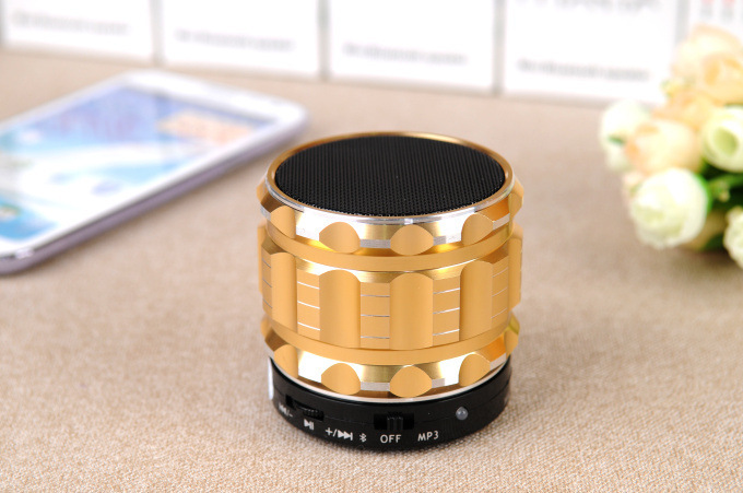S28 Metal Portable Mini Bluetooth Speakers Mic TF Card Slot Stereo For Mobile Phone