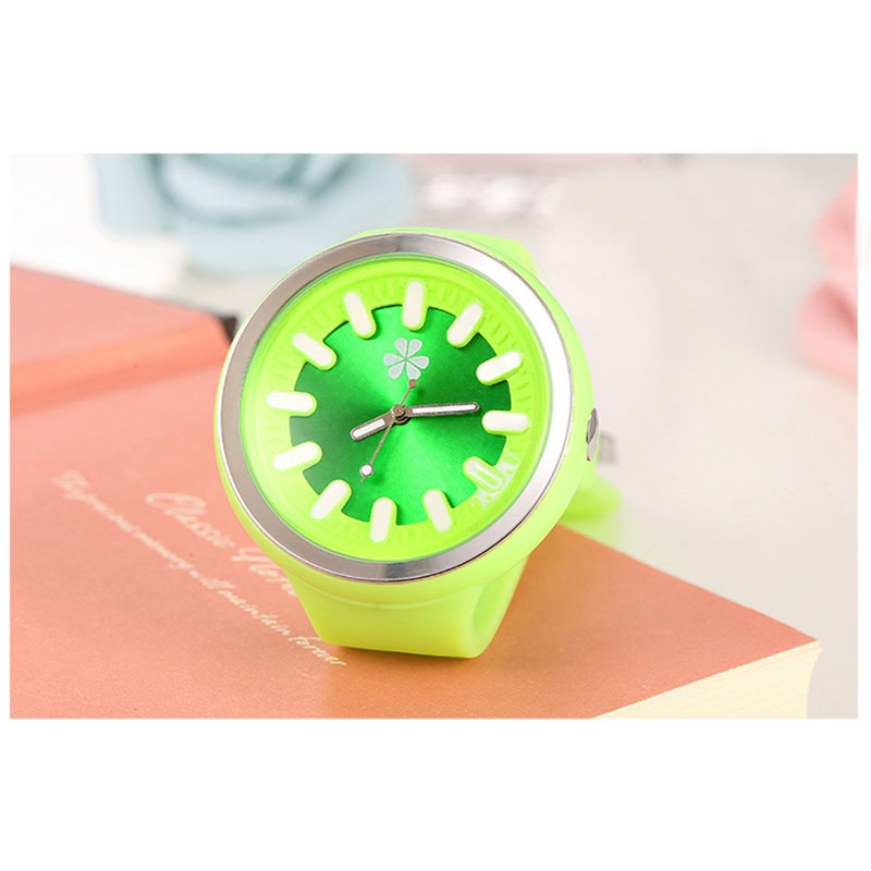 New Fashion Silicone Women Watch Casual Watch Quartz Jelly Candy Color Watch