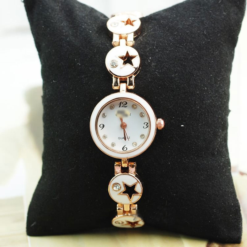Casual Women Watch With White Dial Quartz Pentagram Diamond Bracelet Watch 65567