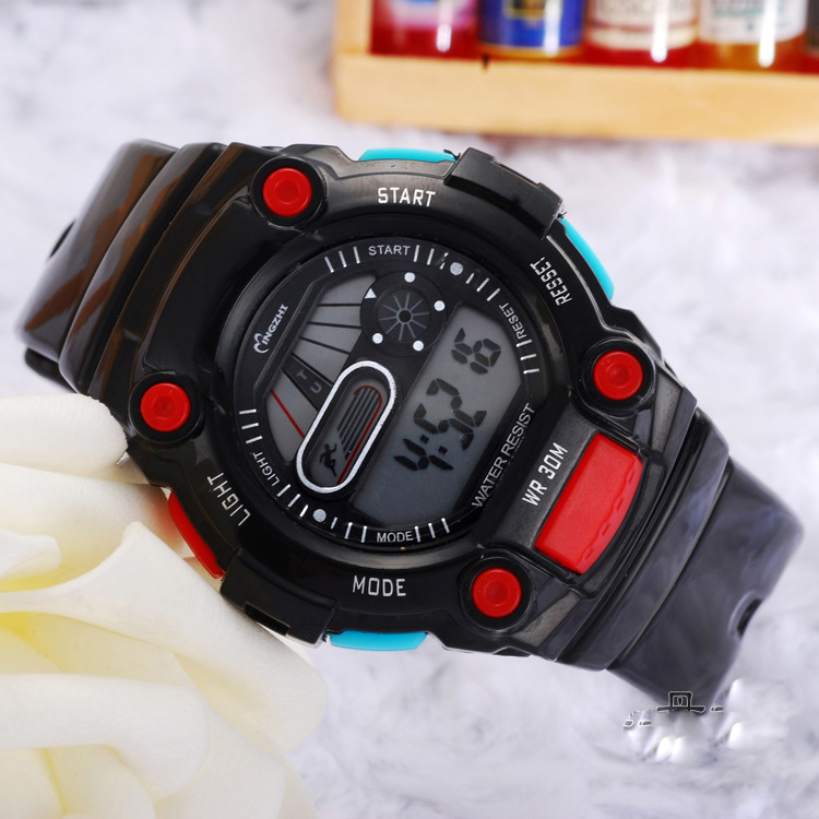Fashion Outdoor Sports Digital Watch Waterproof Watch 68308