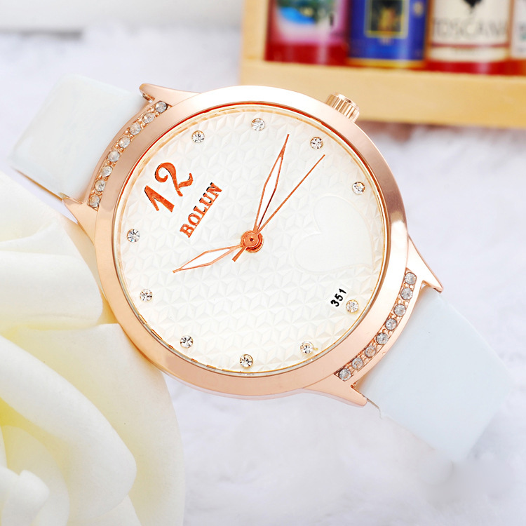 Fashion Watch with White Dial Quartz Watch 68518