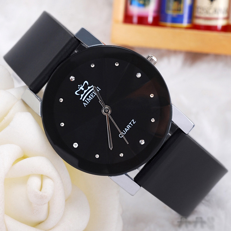 Casual Watch with Black Dial Quartz Couple Watch 70018