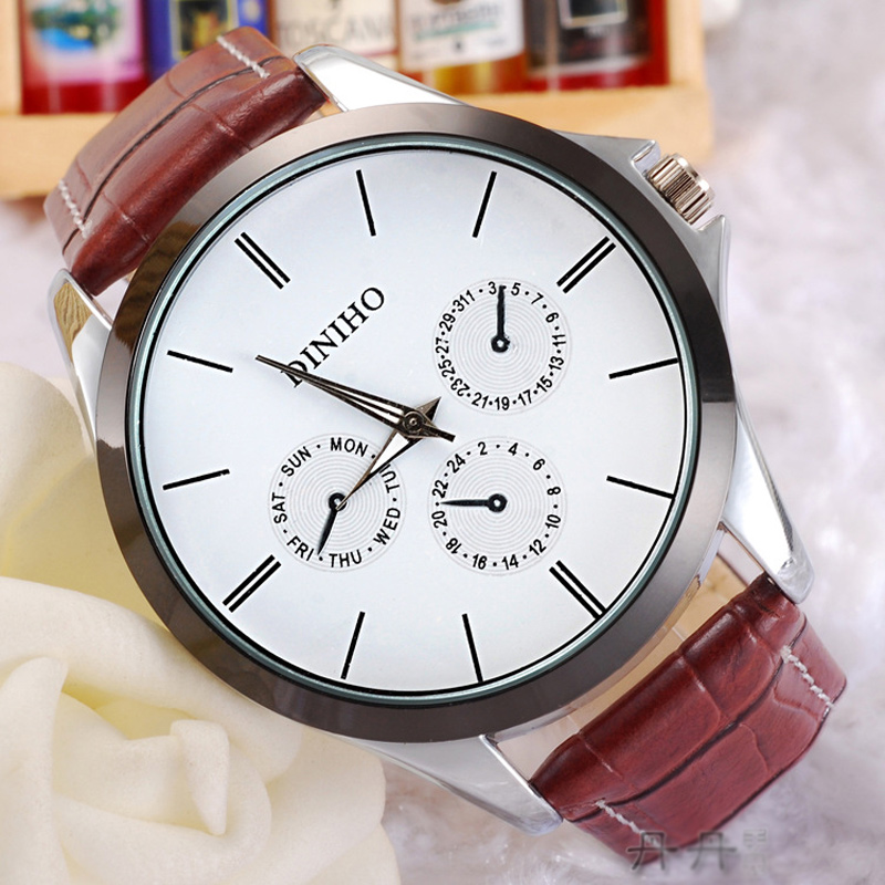 Fashion Watch with White Dial Quartz Watch 69661