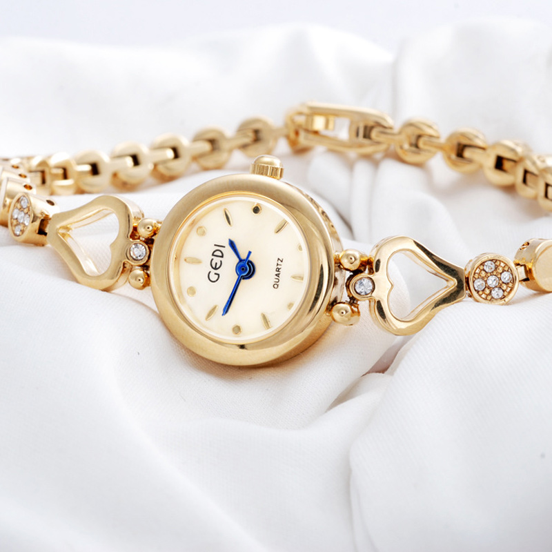 Fashion Watch with Yellow Gold Dial Quartz Bracelet Watch 67561