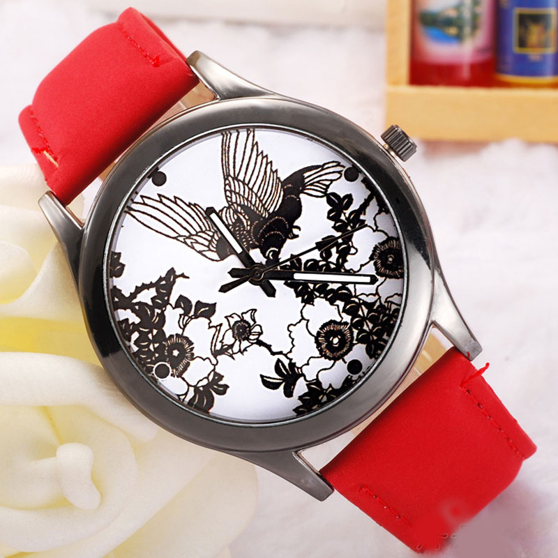 Casual Watch With White Dial Quartz Leather Strap Women Watch 69308