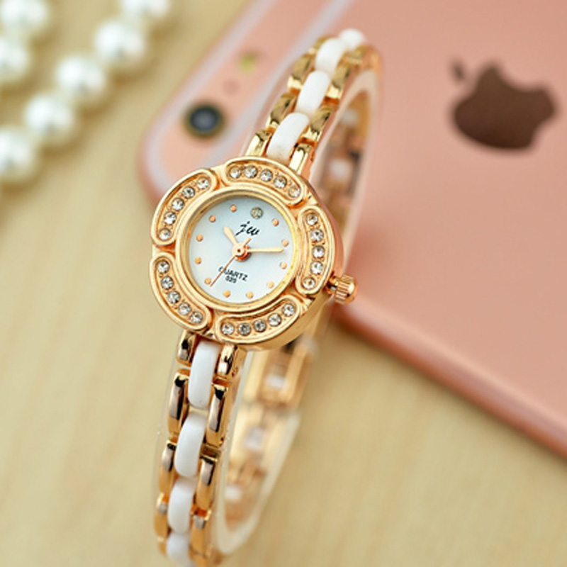 Elegant Women Braclet Watch With White Dial Dot Markers Quartz Watch 70254