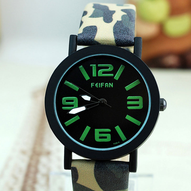 Arabic Numeral/Stick Markers Black Dial Quartz Leather Strap Men Watch