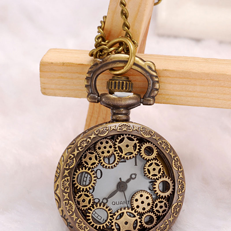 Antique Alloy Hollow Out The Wreath Pocket Watch Necklace